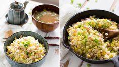 Rychlý oběd pro dnešní den – rýže, slanina, vejce a porce čerstvé cibulky. Ideální pokrm do krabičky!