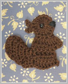 FREE Squirrel Applique Motif pattern (Crochet) - Pinned by intheloopcrafts.blogspot.co.uk