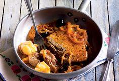 Odkryj smaki Portugalii. Steki z tuńczyka w cebuli http://smakiportugalii.biedronka.pl/przepisy/17/bifes-de-atum-em-cebolada