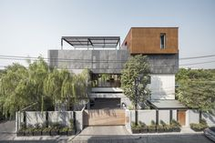 EKAR architects embraces the concept of traditional architecture to the planning to maximize the limited space.
