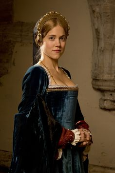 Charity Wakefield as Mary Boleyn. Wolf Hall, 2015 (costume designer Joanna Eatwell)