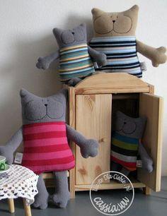Gatos almofadas