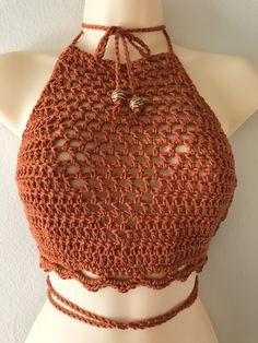 Knitting Patterns Summer Tops Crochet Bikini 48 Ideas For 2019 Crochet Halter Tops, Crochet Bra, Mode Crochet, Crochet Bikini Top, Crochet Crafts, Crochet Clothes, Crochet Stitches, Crochet Top Outfit, Diy Fashion