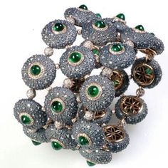 Suzanne Syz art jewels ~ Instagram  I¨ll try to bead it. Maybe it¨ll look nice ;)
