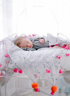 Fairytale nursery and newborn photos by Courtney de Jauregui of Erin Hearts Court | 100 Layer Cakelet