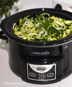 Erwtensoep (uit de slowcooker) • Betty's Kitchen Crockpot, Slow Cooker, Kitchen, Cooking, Kitchens, Crock Pot, Crock Pot, Cuisine, Crock