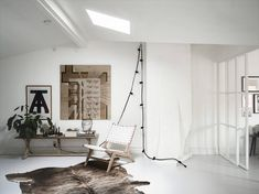 Schlafzimmer Mit Einer Glaswand Mit Weißen Stahlrahmen
