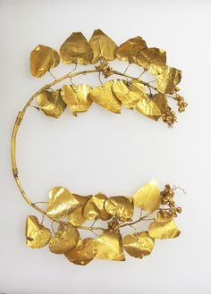 Wreath of ivy and berries, funerary. Period: Late Classical. Date: 4th–3rd century B.C. Culture: Greek. Medium: Gold. | © 2000–2015 The Metropolitan Museum of Art.