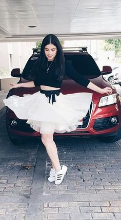 Georgina Wilson, Anne Curtis and more. Anne Curtis Outfit, Anne Curtis Smith, Celebrity Style Inspiration, Fashion Inspiration, Filipina, Celebrity Outfits, Celebs, Celebrities, White Sneakers