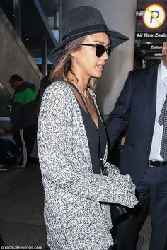 Jessica Alba pushes her own luggage at LAX #dailymail
