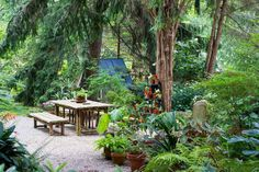 Now here a garden I could sit in all day. David Culp's Layered Garden. - Garden Rant