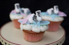 ice skate cupcakes : Brie's party
