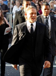 Lainey Gossip|Charlie Hunnam's girlfriend and Sons Of Anarchy family support him at the Pacific Rim Hollywood premiere