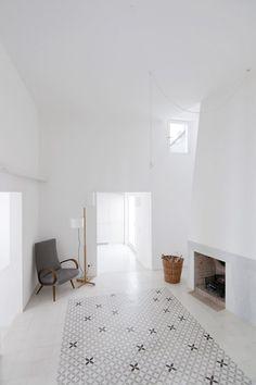 FAD finalist: Una casa de Cadaqués, Sergison Bates Architects. Photography by Lorenzo Kárász, Daniele Ansidei