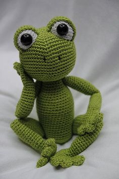 Hallo and welcome to my shop with crochet patterns. This listing is NOT the finished toy! It is an AMIGURUMI PATTERN. SAM THE FROG Crochet Pattern Size: 31 cm Hook: 3 mm Yarn: Catania 100% Cotton Schachenmayr, 50g = 125m This step-by-step pattern is very detailed and includes