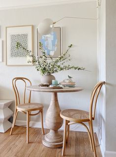Wood Pedestal, Pedestal Dining Table, Dining Chairs, Dining Area, Breakfast Nook Table, Interior Architecture, Interior Design, Inspire Me Home Decor, Table Sizes