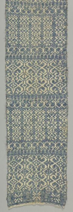 Perugia-style towel White Embroidery, Hand Towels, Medieval, Objects, Blue And White, Textiles, Italy, Tablecloths, Rugs