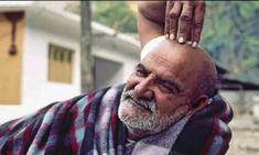 "Neem Karoli Baba - ""Love all, serve all and create no sorrow"". simplest words of wisdom. Indian Saints, Saints Of India, Neem Karoli Baba, Hanuman Chalisa, Teacher Photo, Ram Dass, Nainital, Spiritual Wisdom, Namaste"