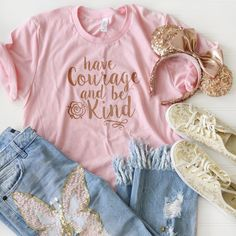 Have Courage and Be Kind Unisex Crew Pink - Kind Shirt - Ideas of Kind Shirt - Disney World Outfits, Cute Disney Outfits, Disney Themed Outfits, Cute Outfits, Disney Clothes, Disney Fashion, Disney Shirts, Disney Mode, Walt Disney