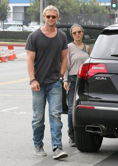 Celeb Diary: Chris Hemsworth & Elsa Pataky in Santa Monica
