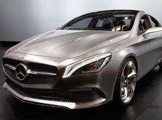Carro conceitual coupé da Mercedes-Benz apresentado para a imprensa no Salão do Automóvel de Pequim