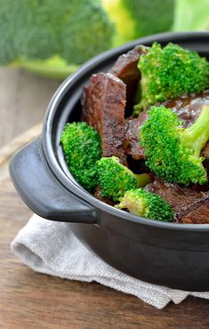Gluten Free Beef and Broccoli makes a satisfying and simple weeknight meal. | Celiac Mama | Gluten-free dinner | Easy Gluten-free recipes | Dairy-free dinner | Kid-friendly gluten-free meals | Gluten-free beef with broccoli || #glutenfreerecipes #glutenfreedinner
