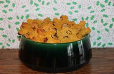 I love the holidays – everything about them fills me with merriment and feelings of fa la la. I especially love baking, because the house smells so wonderful while the cookies are in the oven. And the same goes for baking treats for Oscar and his doggy friends. This Cranberry Pumpkin Christmas Dog Treat Recipe […]