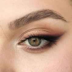 Prom Eye Makeup, Skin Makeup, Bridal Makeup, Makeup Eyeshadow, Yellow Eyeshadow, Clown Makeup, Makeup Brushes, Mac Makeup, Soft Wedding Makeup