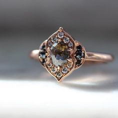 Black and white diamond ring made of dahlia in rose gold . - Black and white diamond ring made of dahlia in rose gold - Engagement Ring Rose Gold, Engagement Ring Settings, Vintage Engagement Rings, Diamond Wedding Bands, Alternative Engagement Rings, Gold Bands, White Diamond Ring, White Gold Rings, Silver Ring