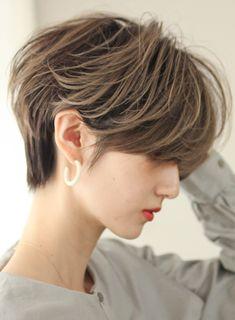Asian Short Hair, Short Hair Cuts, Straight Eyebrows, Shot Hair Styles, New Haircuts, Grunge Hair, Dream Hair, Pixie Hairstyles, Hair Inspo