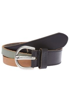 FASTRACK - Womens Blue Casual Belt Material - Leather Buckle Closure styling Single loop near the buckle with embossed branding over it Casual Belt, Casual wear Holes to customize the fiBrand logo on the prong, Embossed branding on the loop Wipe with a clean dry cloth to remove dirt https://play.google.com/store/apps/details?id=com.womensdeals.womensdeals