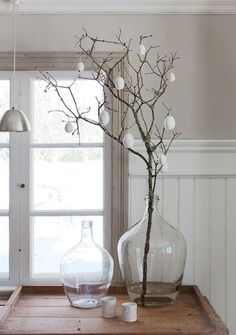 classic decor A minimalistic Easter decoration can be . - homedecor - classic decor A minimalistic Easter decoration can be made from branches with … - Easter Table Decorations, Holiday Decorations, Decoration Crafts, Garden Decorations, Easter Tree, Diy Ostern, Easter Holidays, Deco Table, Scandinavian Style