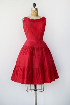 VINTAGE 1950S RED TAFETTA PLEATED PARTY DRESS