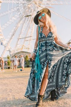 If you are searching for a festival wear, find a selection of summer festival outfits for women. This season adopt the boho festival look. Music Festival Outfits, Boho Festival, Festival Wear, Festival Fashion, Festival Style, Hippie Style, Looks Hippie, Boho Summer Outfits, Summer Fashion For Teens