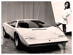 Maserati Ghibli, Iso Grifo or Ferrari 365 (Daytona) - Which One Do You Like The Best? Maserati Ghibli, Bmw M1, Ferrari, Lamborghini Miura, Carl Benz, Roadster, Bmw Classic Cars, Automotive Design, Alfa Romeo