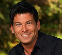 i want david tutera to plan my wedding! he does everything over the top, just the way i like it My Wedding Planner, Plan My Wedding, Wedding Planning, Dream Wedding, Wedding Ideas, Event Planning, Wedding Stuff, David Tutera, Love To Meet