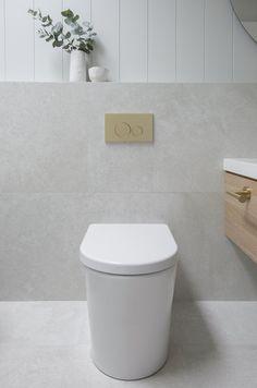 Classic Coastal Bathroom Colour Scheme — Zephyr + Stone Beach House Bathroom, Stone Bathroom, Laundry In Bathroom, Small Bathroom, Coastal Bathrooms, Upstairs Bathrooms, Downstairs Bathroom, Modern Bathroom Design, Bathroom Interior Design