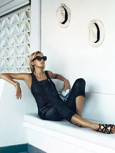 Elle fashion magazine lisa lindqwister lundlund lund lund oracle fox black outfit mesh dress