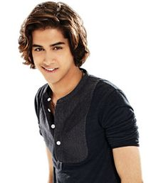 Avan jogia is his name but beck from victorious and twisted love the shows Avan Jogia, Beck From Victorious, Victorious Cast, Beck Oliver, Pretty People, Beautiful People, Tori Vega, Elizabeth Gillies, Taylor Kitsch
