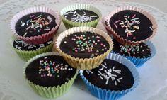 Orechové šuhajdy Christmas Baking, Mini Cupcakes, Desserts, Food, Tailgate Desserts, Deserts, Essen, Postres, Meals