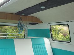 1967 T2 Day Van conversion ~ Evolution Campervan Interiors - For more ideas and inspiration visit www.jellyliving.com! Day Van Conversion, Camper Conversion, Bus Interior, Campervan Interior, Volkswagen Bus, Vintage Campers, Camper Van, Interior Inspiration, Tiny House