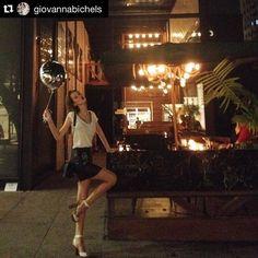 #Repost @giovannabichels  Evento lindo da @tanarabrasil  Apaixonada pela minha nova sandália  #shoesfirst