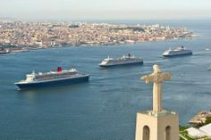 As Três Rainhas vieram refrescar-se no Tejo. #Lisbon #Harbour #3Queens #queenvictoria #queenelizabeth #queenmary2