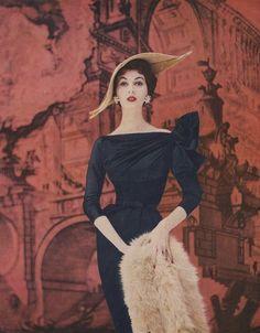 Super Model Dovima, 1950's
