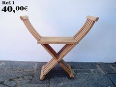 Chair with 5 rulers in natural color.