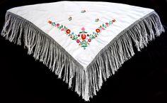 New Beautiful Gypsy Style White Hand Made Hungarian Folk Matyo Floral Wearable Women Shawl Chain Stitch Embroidery, Embroidery Stitches, Embroidery Patterns, Hungarian Embroidery, Folk Embroidery, Stitch Head, Crochet Hook Set, Straight Stitch, Embroidery Techniques