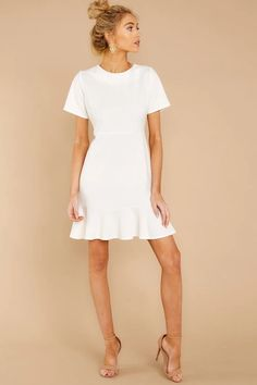 Buy our work dresses and show that your style is just as strong as your work ethic. Shop Red Dress Boutique for the best wear to work collection! Dress Outfits, Casual Dresses, Short Sleeve Dresses, Dresses For Work, Work Outfits, White Dress Outfit, Shoes For White Dress, Short White Dresses, Maxi Dresses