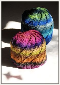 Free Knitting Pattern - Hats: Noro spiral one-skein hat I LOVE the colors and simplicity of this hat. The pattern is also a fun read. Love working with Noro yarn! Loom Knitting, Knitting Patterns Free, Free Knitting, Baby Knitting, Free Pattern, Knit Hat Patterns, Bonnet Crochet, Knit Or Crochet, Crochet Hats