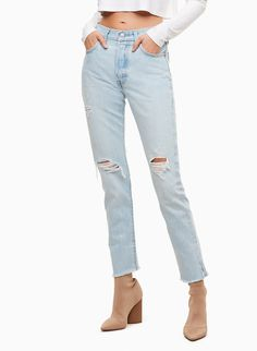 New Levis / 27 x 28 Womens 501 0017 Ripped Painted Skinny Stretch Denim Jeans Skinny Mom, Skinny Jeans, Denim Jeans, Mom Jeans, Levi 501s, High End Fashion, White Fashion, Jeans Style, Stretch Denim
