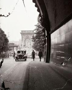 Az Alagút bejárata, még baloldali közlekedéssel Old Pictures, Old Photos, Vintage Photos, History Photos, Budapest Hungary, Homeland, Historical Photos, Beautiful Places, Street View